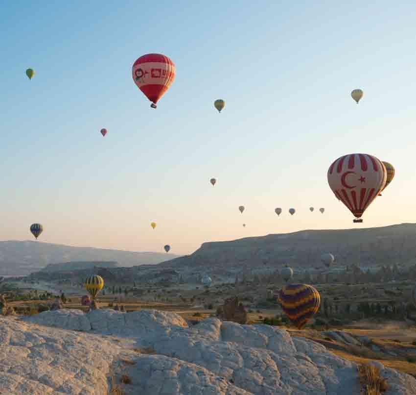 Grand Opening of Sahuaro Shores - Sky full of balloons
